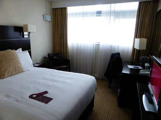Mercure Manchester Piccadilly Hotel : General view of room