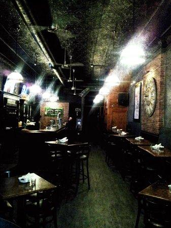 Kenzington Burger Bar : Lovely Interior