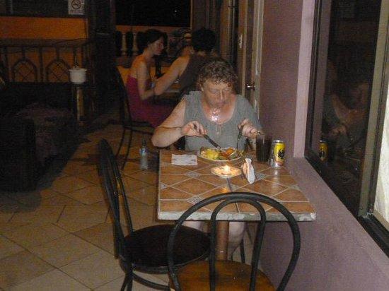 Central Backpackers Quepos: Comida tipica Costarricense.
