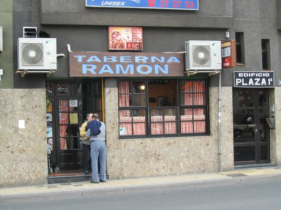 Taberna Ramon : Not much from the outside