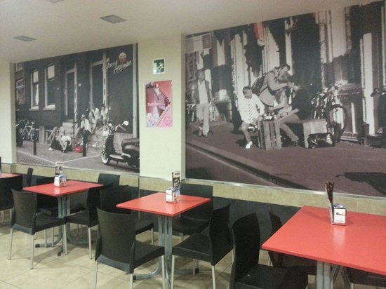 Cafe Bar Tapas 42 : Acogedor