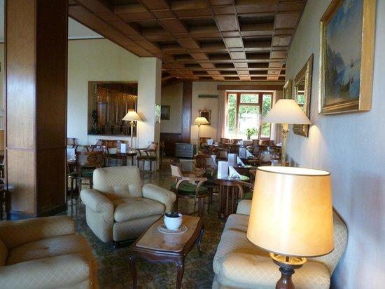 Grand Hotel De La Ville Sorrento: Bar