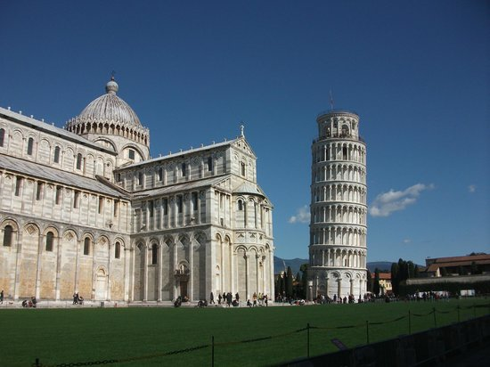 Der Schiefe Turm von Pisa: It's actually a stand-alone bell tower