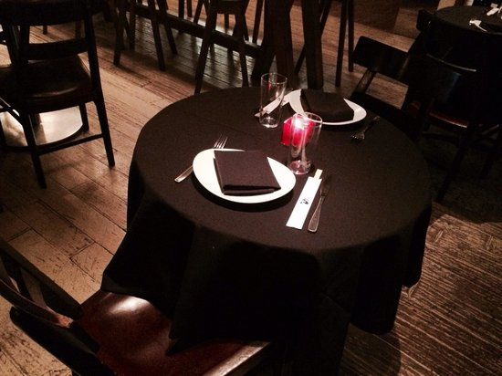 Sunda: Romantic Table for two