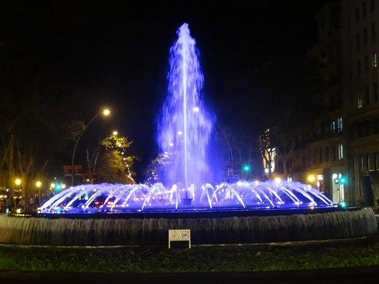 Paseo de Gracia (Passeig de Gracia): Paseo de Gracia