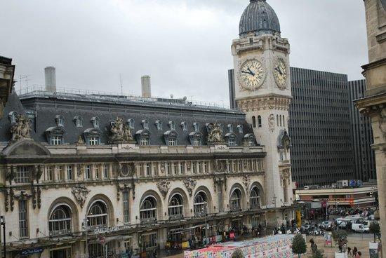 Palym Hotel: Metro & Buildings