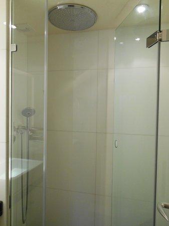 Best Western Bretagne Montparnasse: bathroom