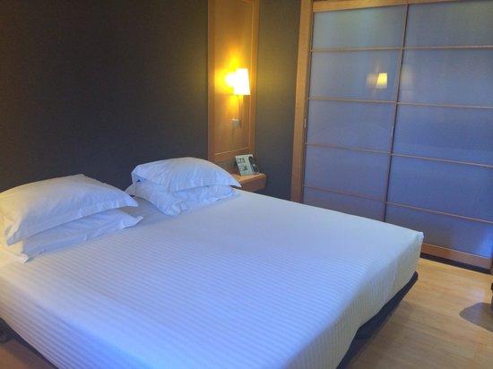Barcelona Universal Hotel: Hotel room
