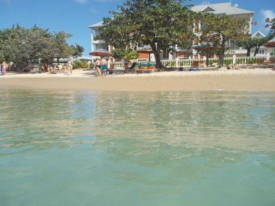 Bay Gardens Beach Resort: Hotel-Strandbereich am Reduit Beach