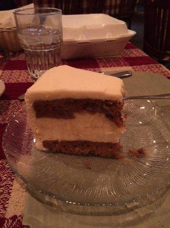 Roepke's Village Inn : Yummy carrot cheesecake
