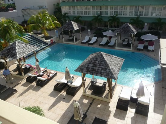 blu St Lucia : la piscine vue de la chambre