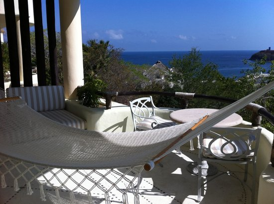 Quinta Real Huatulco : Room with a hammock and private pool
