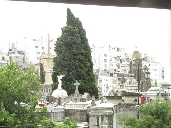 Urban Suites Recoleta Boutique Hotel: Al frente del cementerio de la Recoleta