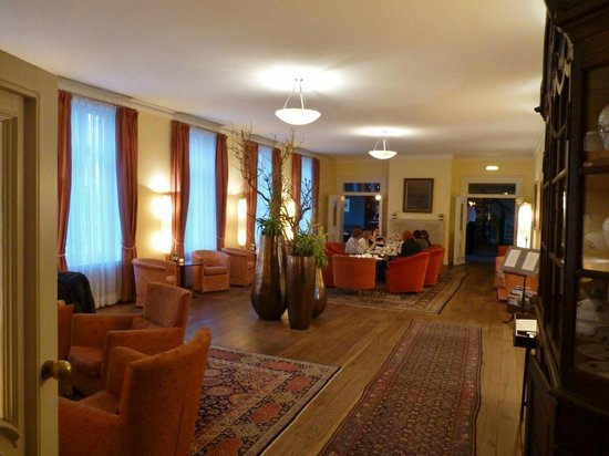Hotel Louis C. Jacob: Lounge vor der Bar
