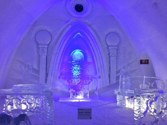 Hotel de Glace: The Chapel