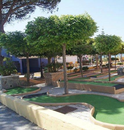 Marbella Playa Hotel: Minigolf