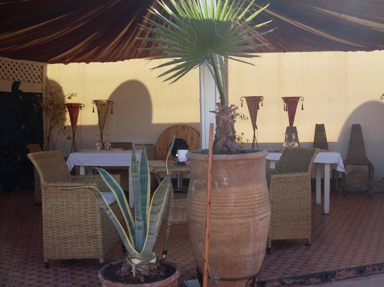 Riad Dar Anika: Dining tent on the roof