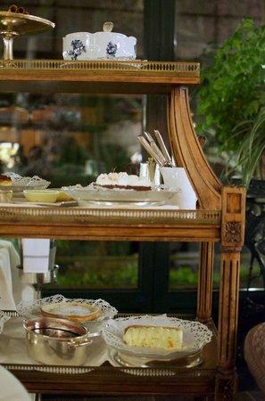 Hotel Victoria: The Dessert Cart