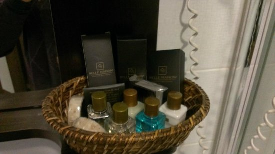 Belle Maison Residence : Bath set