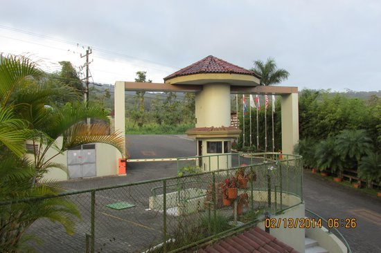 The Royal Corin Thermal Water Spa & Resort: Hotel Front Gate