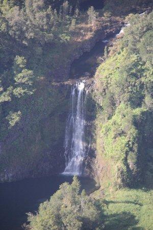 Blue Hawaiian Helicopters - Oahu: Waterfall on the way back