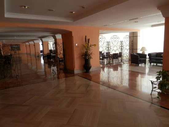 Hotel Zentral Center: Saloni