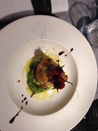 Gustavino : Artichoke in pastry, a delicious starter.