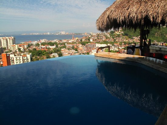 Casa Isabel: One of the infinity pools