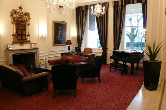 Thistle Hyde Park: Foyer