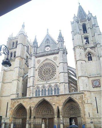 Catedral de León - Santa María de Regla: Fachada
