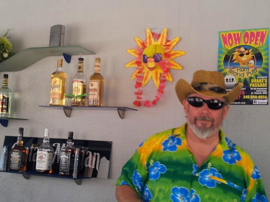 Rum Island Pub : Nothing wrong with bright tropical shirts, according to our barman CeeBass