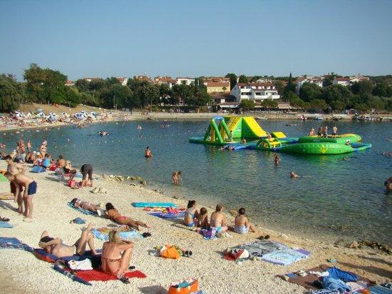 Villa Feniks: beach, 1/2 block away