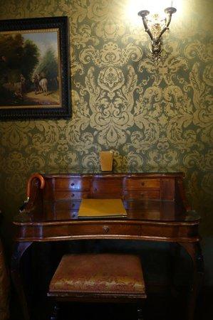 Boutique Hotel Campo de Fiori: desk