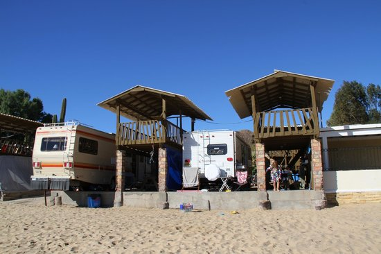 KiKis RV Camping & Hotel: Each camping site has a palapa