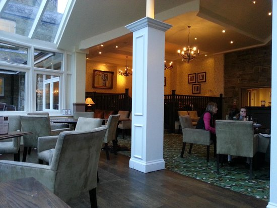 Shrigley Hall Hotel, Golf & Country Club : bar area