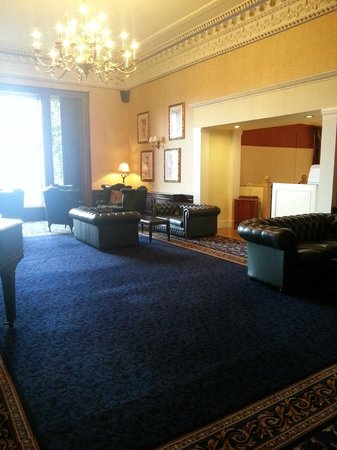 Shrigley Hall Hotel, Golf & Country Club : lounge area above the dining room