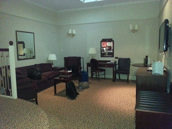 Shrigley Hall Hotel, Golf & Country Club : lounge area of our room