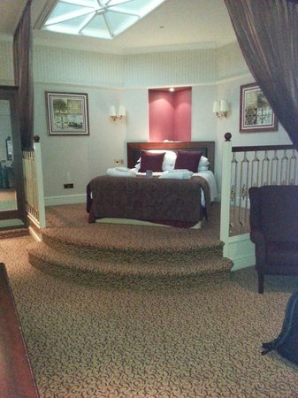 Shrigley Hall Hotel, Golf & Country Club : bedroom are of our room