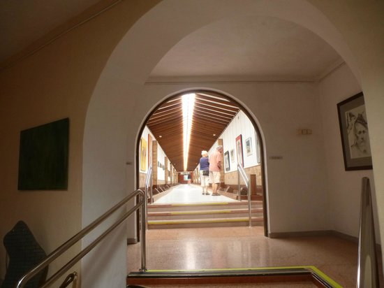 Centro de Arte Canario: Acceso a galeria de la exposición