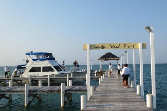 Turneffe Island Resort: The dock where boating and fishing and all arrivals/departures