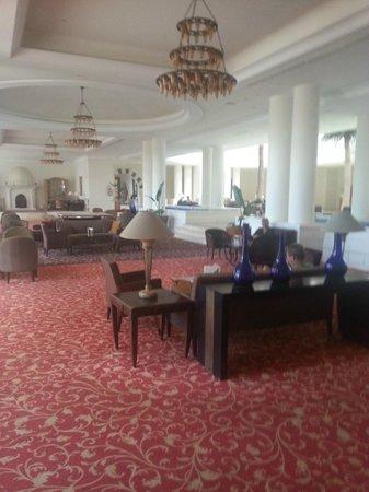 Saphir Palace & Spa : zona bar salone principale