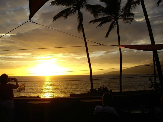 Maui Sunseeker LGBT Resort: This is the view from the rooftop deck and similar to the view from our room