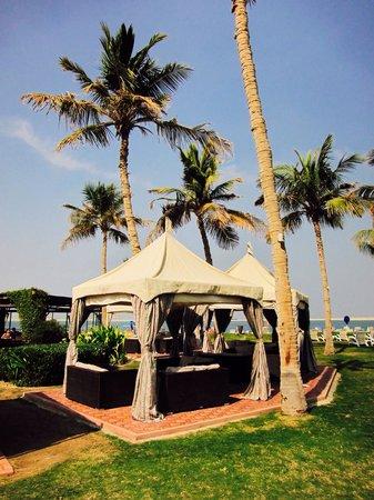 JA Jebel Ali Beach Hotel: Hotel grounds