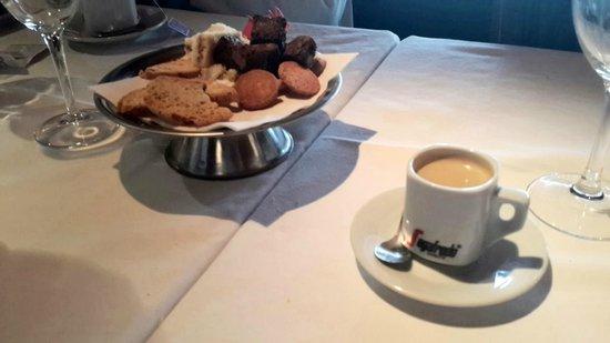 La Parolaccia: Bocaditos con el café