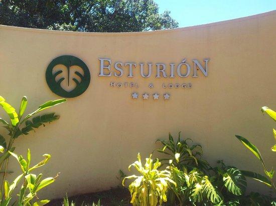 Raices Esturion Hotel: Ingreso