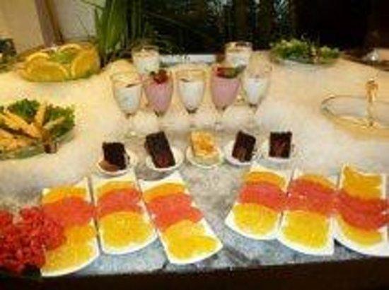 Sea Garden Nuevo Vallarta: Fruit and desserts