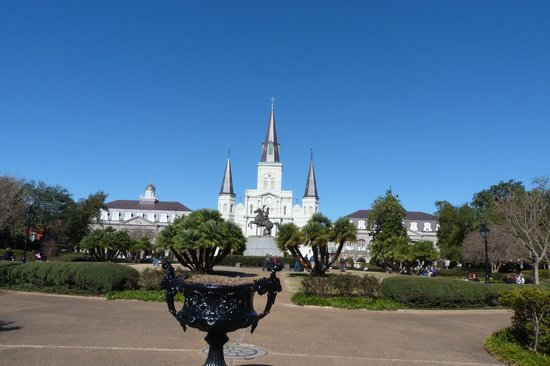 Jackson Square: Park & cathedral
