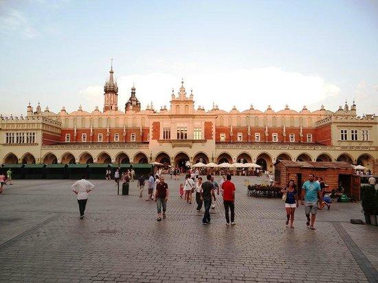 Marktplatz (Rynek Główny): Vista dorsal del Mercado de Paños y parcial de la Plaza