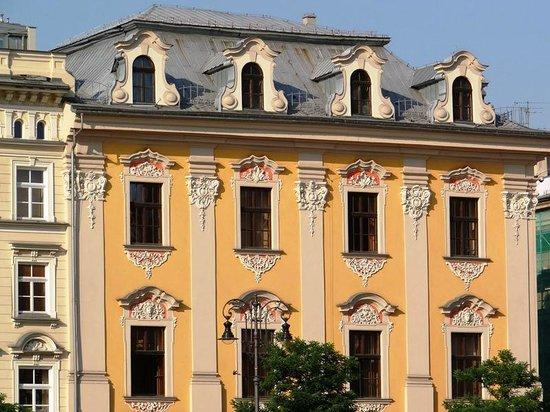 Marktplatz (Rynek Główny): Uno de los edificios que rodean la plaza