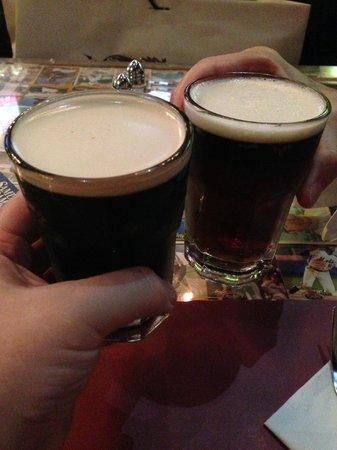 Foley's Pub & Restaurant: Cheers!